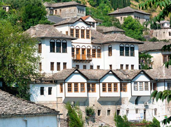 Albania-Gjirokaster_99011186-20161111-101753